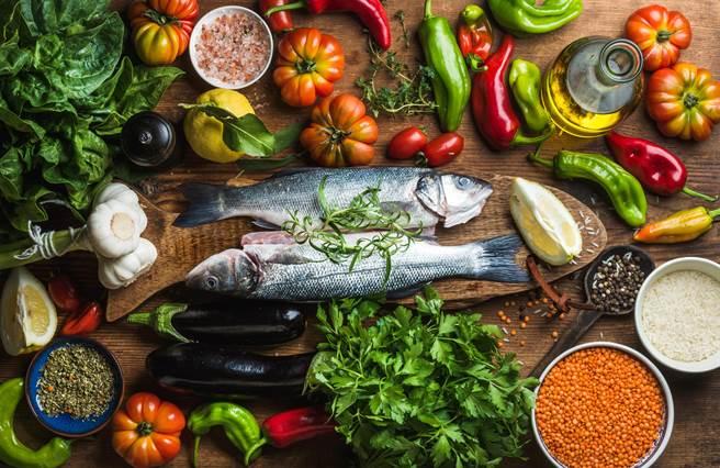 使用特級初榨橄欖油入菜,增添佳餚美好風味。(圖片提供/歐盟太極計畫)