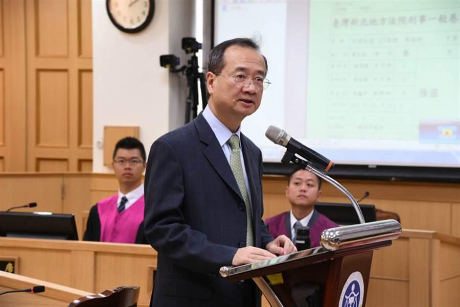 司法院長許宗力17日出席台灣新北地方法院模擬法庭活動。中央社記者林長順攝 107年5月17日