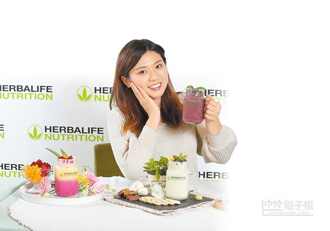 賀寶芙提供方便、快速的營養早餐方案,呼籲重視早餐均衡營養素。(賀寶芙提供)