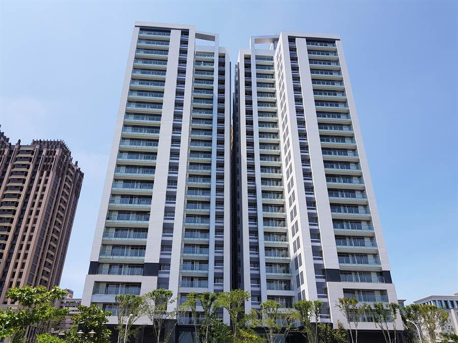 泰嘉開發在台南國平重畫區推出「水悅灣」住宅大樓。(圖/顏瑞田攝)