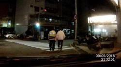 失語老伯街頭迷途 警用LINE群組幫他找到回家路
