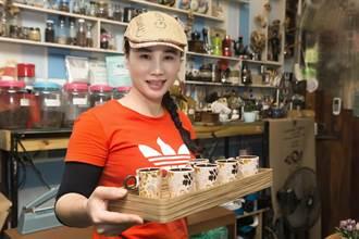 隱身東港菜市場內的咖啡美學苑─房角石