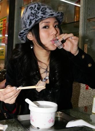 華西街蛇肉聞名 前AV女神來台也光顧
