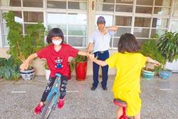 抗癌小鬥士 騎獨輪車當老師