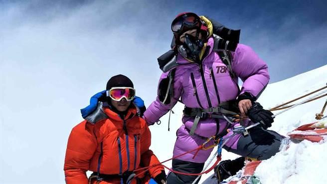 詹喬愉攻頂海拔高8516公尺的「洛子峰」。(彥恩國際)