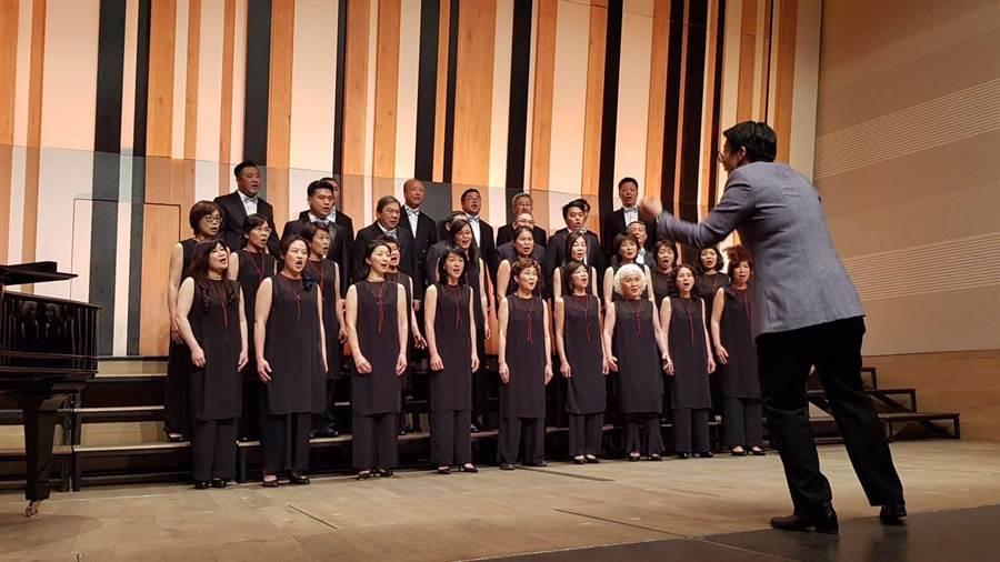 「台北愛樂市民合唱團」19日參加第3屆布達佩斯國際合唱音樂節的合唱比賽,並拿下銀牌佳績。(台北愛樂市民合唱團提供)
