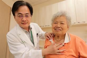 甲狀腺腫如柚子7旬婦呼吸困難