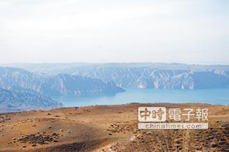 陸最大鮭魚養殖場 竟在青藏高原