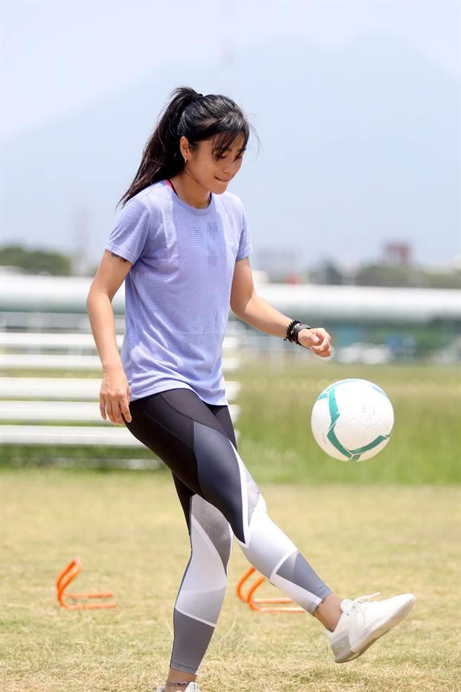 張愫心目前也隨中華女足努力備戰雅加達亞運。(李弘斌攝)