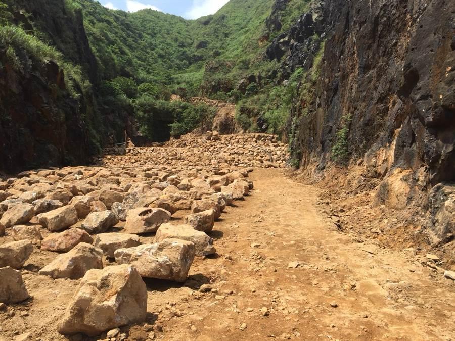 優人神鼓違法開挖金瓜石地質公園達2500平方公尺,新北市府將開罰最高30萬元(圖由新北市府農業局提供)
