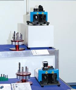 摩特立多功能鑽頭研磨機 精準
