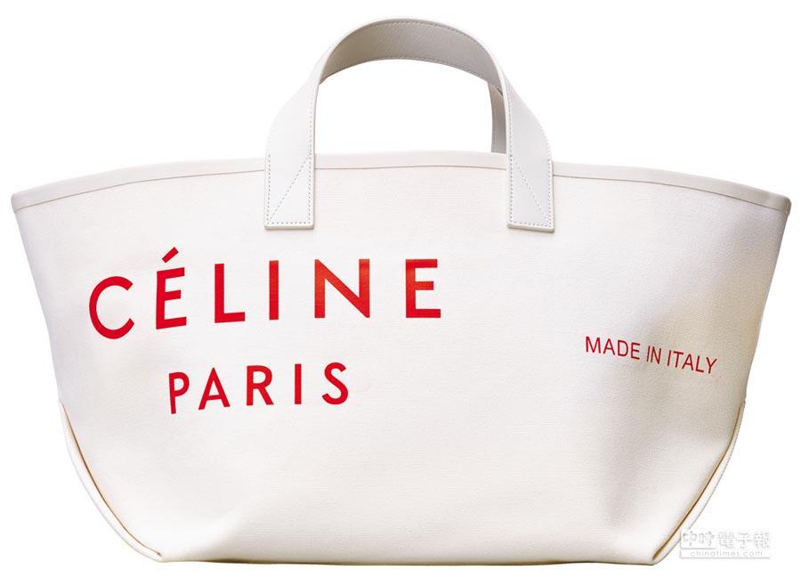 CELINE小號Logo托特包,3萬9500元。(CELINE提供)
