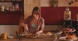 名廚放下菜刀成為大導演 工作人員忍不住「嗑光道具」