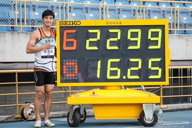 高雄市三級跳好手李奎龍於2018年臺灣田徑公開賽以16公尺25奪下金牌,並取得前進亞運門票。(圖/許唐漢教練提供)