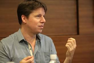 聖馬丁學院管弦樂團音樂總監約夏貝爾   用《四季》表現心情