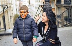 郭雪芙遊巴黎伴虎童慶生