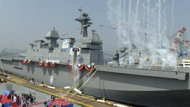 韓國 第2艘直升機母艦馬羅島號,艦上的防衛系統將用韓製海弓飛彈。(圖/韓國海軍)