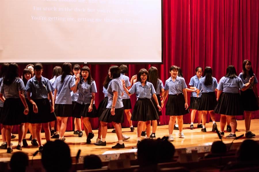 淡江大學蘭陽校園語言系師生用心投入「全球在地行動實踐」,獲得了豐碩的成果。(謝顥音提供)