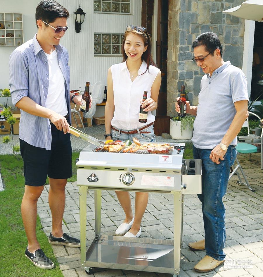 威廉麗莎推出「SL102紅外線樂活中型烤爐」,享受健康環保的居家生活,受到小家庭民眾的青睞。圖/業者提供