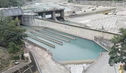 久旱不雨  南水局取水甲仙堰為南化水庫解渴