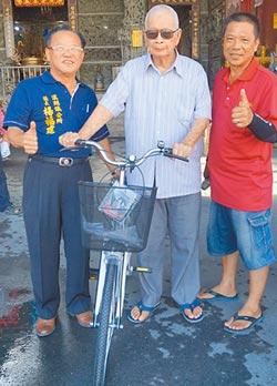 楊榮振老康健 當了75年鄰長