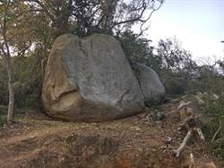 金門655年「元碑」風化  原狀保存不塗漆