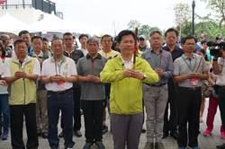 台中市首辦龍舟賽 數千民眾聚軟埤仔溪畔爭睹