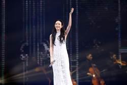 莫文蔚散女神風範熱唱16首組曲 經典歌曲好感人!