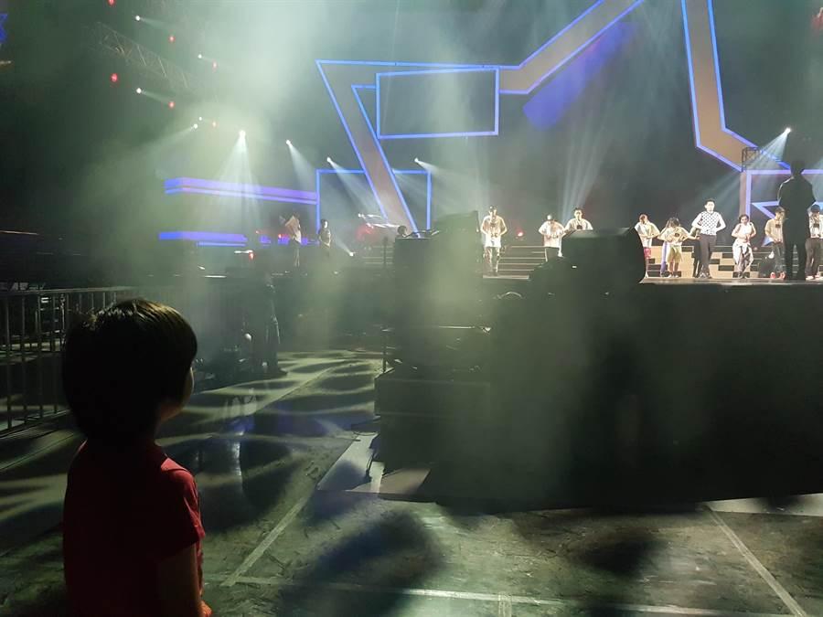 林志穎昨首度攻小巨蛋,他的大兒子Kimi也到場欣賞。(娛人制造提供)