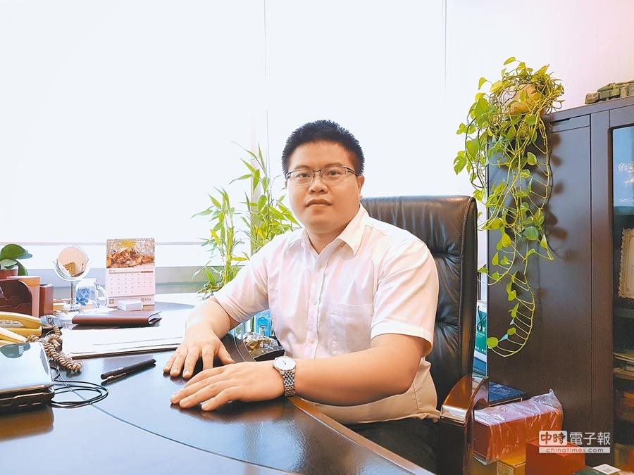 今年28歲、來自桃園的沈杰,目前在北京擔任律師。(記者藍孝威攝)