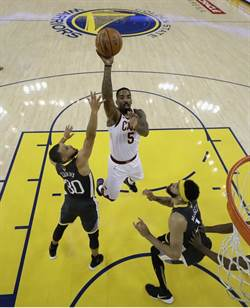 NBA》勇士球迷認證 JR史密斯獲選FMVP