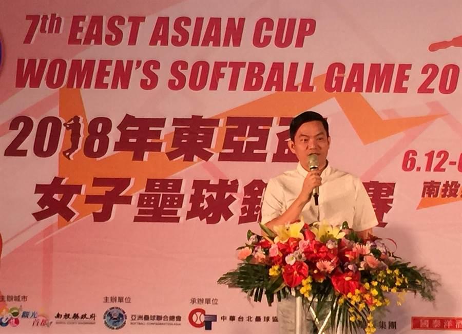 擔任亞洲壘球聯合會會長的南投縣副議長潘一全,希望未來經常在南投縣舉辦國際賽事。(廖志晃攝)