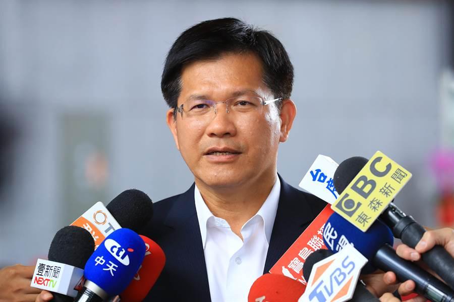 台中市長林佳龍5日提出為全市高中、國中小裝設冷氣時間表與經費,將分4年編列25億元加速推動。(盧金足攝)