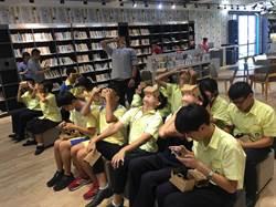 弘文高中打造新穎圖書館 有VR虛擬實境
