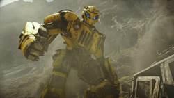 「大黃蜂」單飛啦!專屬電影預告發布!金龜車造型萌萌的