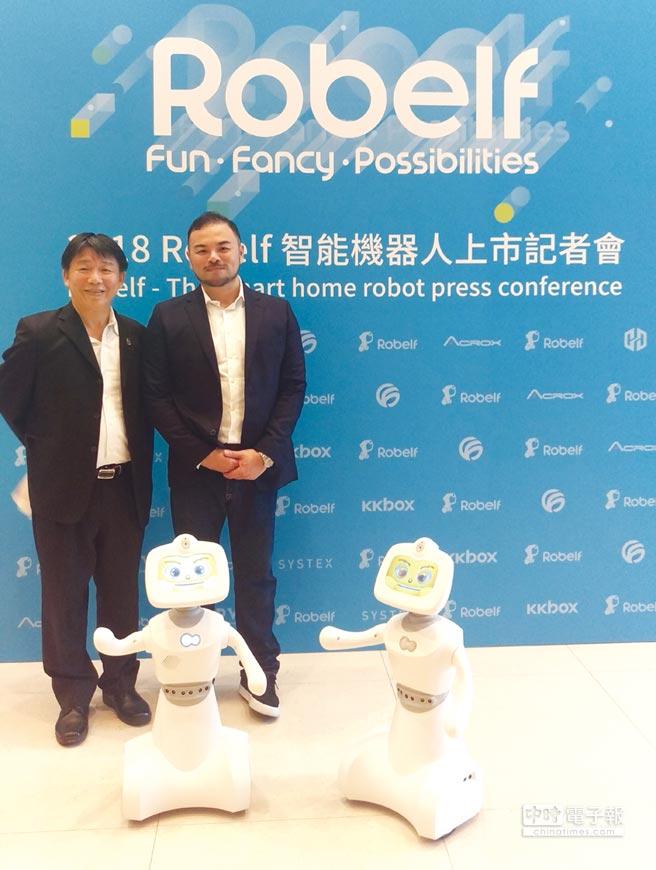 聖約翰科技大學民生與設計學院王健行院長(左)與麗暘科技陳凌鋒執行長簽署產學合作備忘錄,做為開展合作之第一里程。圖/聖約大提供