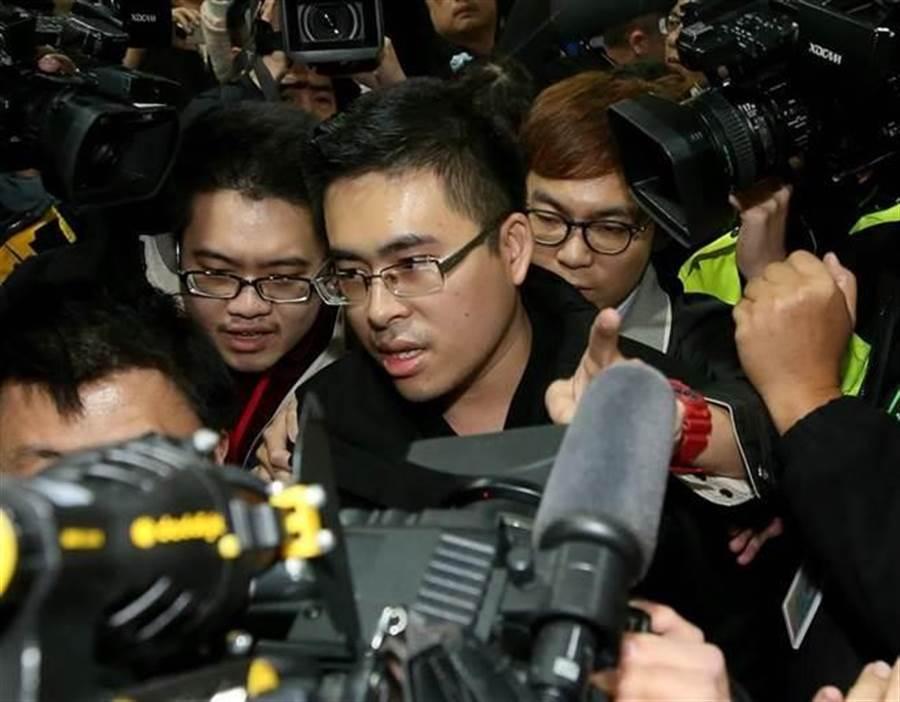 陸生共諜周泓旭案今獲重大進展,新黨成員王炳忠父子等4人被起訴。(中時資料照)