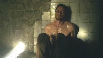 詹姆斯麥艾維拍戲遭監禁 環境如地獄般難熬