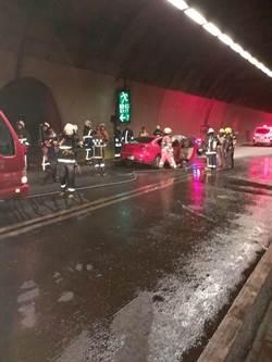 八卦山隧道自小客車起火 封閉半小時回堵4公里