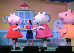 兒童界偶像「佩佩豬」來台灣了!孩子最愛的室內小火車、彈跳水床玩不停,展期到9月底
