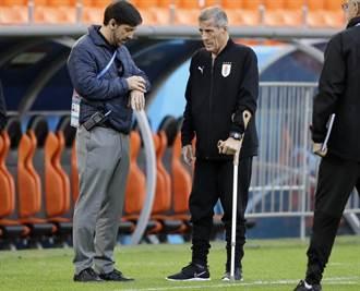 世足人物》拄拐杖都要到 塔巴雷斯抱病激勵烏拉圭