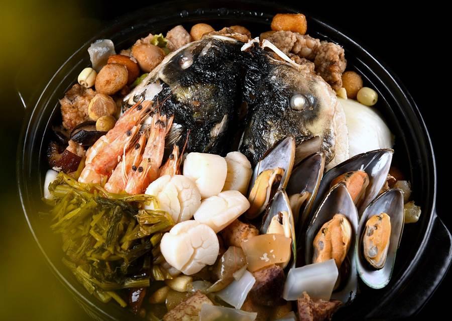 順德海鮮大盆菜是著名料理。(諾富特提供)