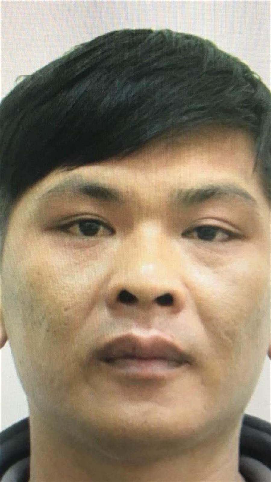 今早在台南奪警槍的通緝犯楊政勳。(曹婷婷翻攝)