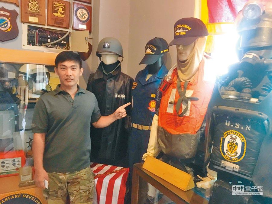 熊麒勝收藏上萬件軍事物品。(呂筱蟬攝)