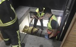 台中逢甲商圈電梯施工 工人4公尺高墜落幸無生命危險