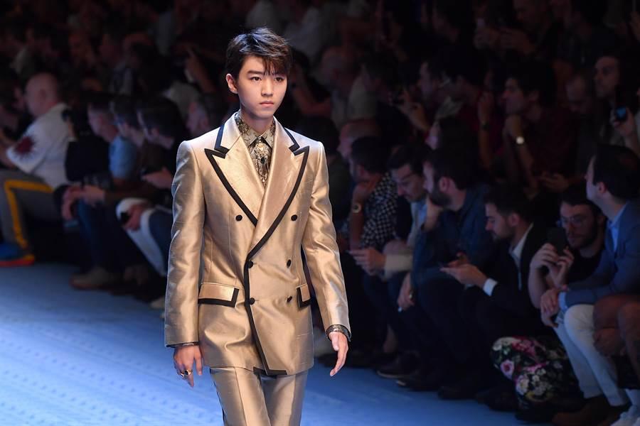 TFBOYS成員王俊凱以Dolce & Gabbana亞太區品牌大使之姿,再度登上米蘭男裝周伸展台。(CFP提供)