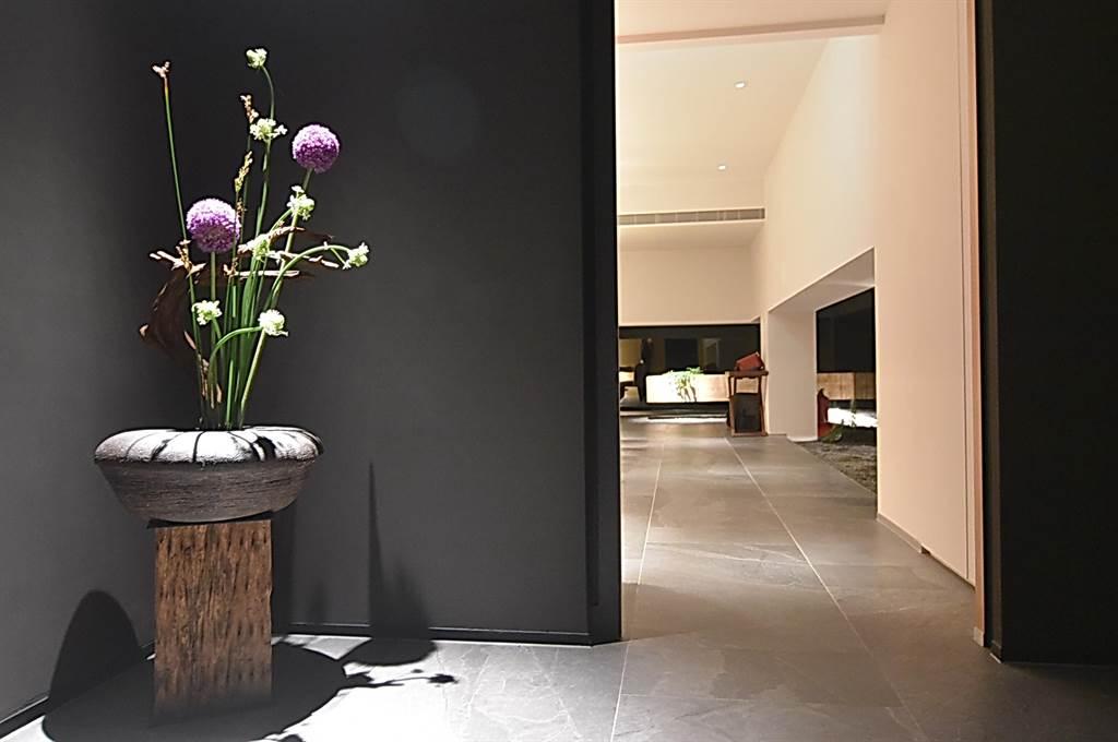 〈牡丹 Tempura〉的裝潢設計很 雅緻,並具有高度私密性。(攝影/姚舜)