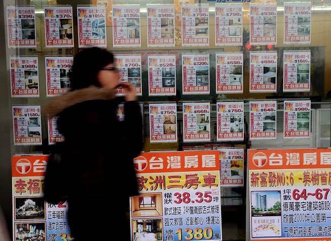 松助開發驚傳倒閉,台北市中山區小豪宅「松下国賓」淪為爛尾樓。(資料照/黃世麒攝)