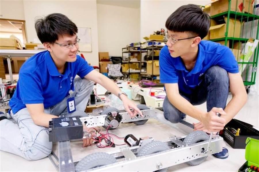 研發設計世界機器人大賽平台開發與製造。(圖/中科提供)