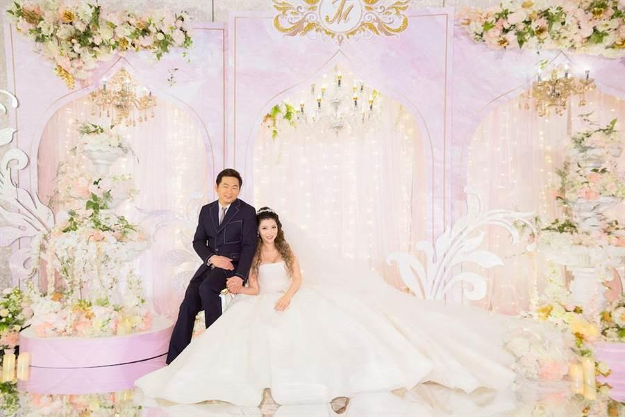殷琦嫁給身價10億的台中高明精機總經理張仕育。(圖片提供:伊林娛樂)